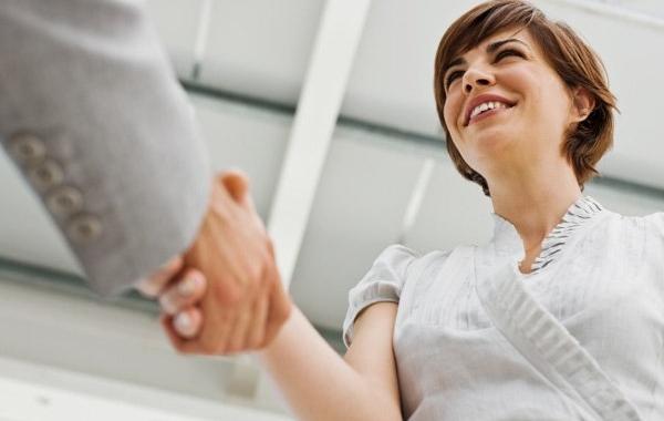 ¿Qué implicaciones tiene un contrato de trabajo verbal?